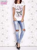 Ecru t-shirt z napisem LOVE i ażurowymi rękawkami                                  zdj.                                  6