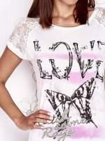 Ecru t-shirt z napisem LOVE i ażurowymi rękawkami                                  zdj.                                  5
