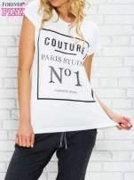 Ecru t-shirt z napisem PARIS STUDIO z dżetami                                  zdj.                                  1
