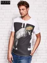 GUESS Biały t-shirt męski z nadrukiem                                   zdj.                                  3