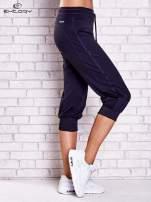 Grafitowe spodnie capri z siateczką z tyłu PLUS SIZE
