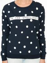 Granatowa bluza w grochy z napisem IN THE SPOTLIGHT                                                                          zdj.                                                                         6