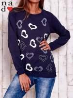 Granatowa bluza w serduszka