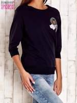Jasnoróżowa bluza z naszywkami i ściągaczami