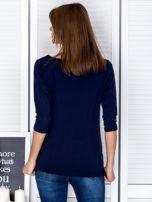 Granatowa bluzka z bocznymi suwakami                                  zdj.                                  2