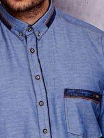 Granatowa denimowa koszula męska z zamszowymi wstawkami PLUS SIZE                                  zdj.                                  5