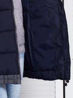 Granatowa kurtka zimowa ze swetrowym wykończeniem                                  zdj.                                  8