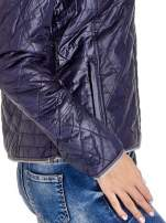 Granatowa pikowana kurtka typu husky                                  zdj.                                  7