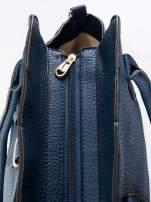Granatowa torba z klamrami z odpinanym paskiem                                  zdj.                                  8