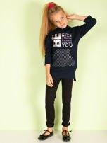 Granatowa tunika dziewczęca z metalicznym nadrukiem                                  zdj.                                  3