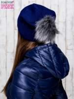 Granatowa wełniana czapka z futrzanym pomponem                                   zdj.                                  3