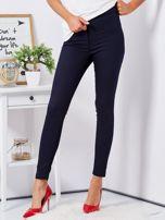 Granatowe dopasowane spodnie high waist                                  zdj.                                  1