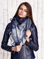 Granatowo-niebieska dzianinowa chusta z frędzlami                                  zdj.                                  3