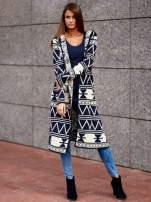 Granatowy długi sweter motywy geometryczne                                  zdj.                                  7