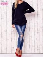 Granatowy dzianinowy sweter                                   zdj.                                  2