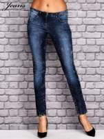 JEANS Ciemnoniebieskie dekatyzowane spodnie jeansowe                                  zdj.                                  1