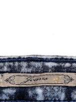 JEANS Ciemnoniebieskie spodnie jeansowe acid wash                                  zdj.                                  4