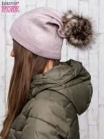 Jasnobrązowa czapka glitter z pomponem