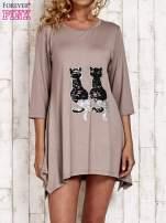 Jasnobrązowa tunika dresowa z aplikacją kotów z cekinów