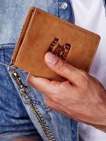 Jasnobrązowy skórzany portfel męski z przywieszką                                  zdj.                                  5