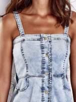 Jasnoniebieska dekatyzowana sukienka jeansowa z kieszeniami                                  zdj.                                  6