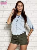 Jasnoniebieska jeansowa koszula z podwijanymi rękawami                                                                          zdj.                                                                         9