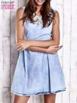 Jasnoniebieska jeansowa sukienka z koronkową wstawką                                  zdj.                                  1