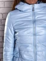 Jasnoniebieska przejściowa kurtka z kapturem i kieszeniami                                                                          zdj.                                                                         6