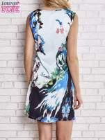 Jasnoniebieska sukienka z malowanym nadrukiem                                  zdj.                                  4