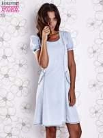 Jasnoniebieska sukienka z wycięciami na plecach                                                                          zdj.                                                                         3