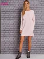 Jasnoróżowa sukienka oversize z kieszeniami                                  zdj.                                  2