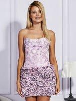 Jasnoróżowa sukienka w grochy z ozdobną spódnicą                                  zdj.                                  1