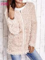 Jasnoróżowy futrzany sweter kurtka na suwak                                  zdj.                                  3