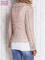 Jasnoróżowy sweter z wiązaniem                                  zdj.                                  4