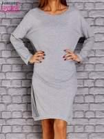 Jasnoszara dresowa sukienka oversize z kieszeniami                                  zdj.                                  5