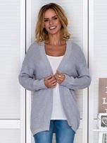 Jasnoszary fakturowany otwarty sweter                                   zdj.                                  1