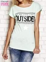 Jasnozielony t-shirt z napisem OUTSIDER                                  zdj.                                  1