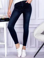 Jeansowe granatowe spodnie z wysokim stanem                                  zdj.                                  1
