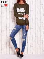 Khaki bluza z napisem BAD GIRL                                  zdj.                                  2