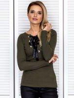 Khaki bluzka damska ze sznurowanym dekoltem                                   zdj.                                  1