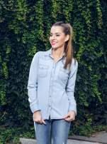 Klasyczna jasnoniebieska jeansowa koszula z kieszonkami                                                                          zdj.                                                                         9