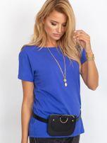 Kobaltowy t-shirt z dekoltem na plecach                                   zdj.                                  1