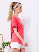 Koralowy t-shirt basic z podwijanymi rękawami                                  zdj.                                  3