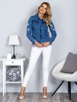 Kurtka jeansowa z perełkami i przedarciami niebieska                                  zdj.                                  4