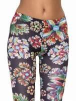 Kwiatowe legginsy z nadrukami floral print