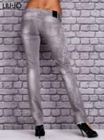 LIU JO Szare spodnie jeansowe z kwiatowym nadrukiem                                  zdj.                                  3
