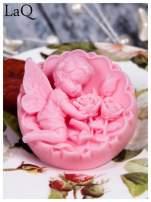LaQ Mydełko duże Anioł z różami w medalionie - różowy / Zapach - truskawka BEZ SLS i SLES                                  zdj.                                  4