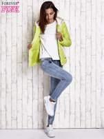 Limonkowa pikowana kurtka z jasnym wykończeniem
