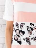 Łososiowa bluzka w pasy z motywem motyli