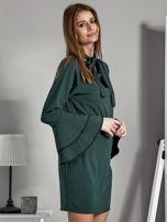 Luźna sukienka z wiązanym chokerem ciemnozielona                                  zdj.                                  5